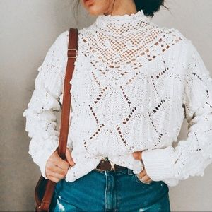 VINTAGE • mock neck knitted chunky white sweater